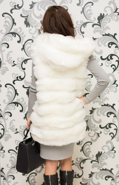 Дамски пухкав елек с качулка - бял 2
