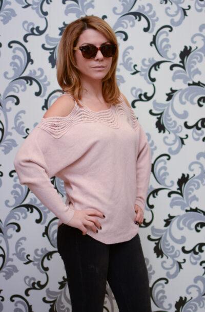 Дамска плетена блуза с голо рамо - розова 3