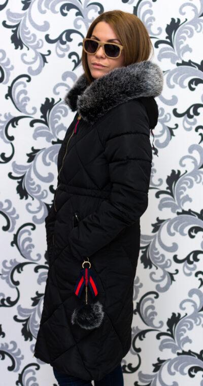Дамско зимно дълго яке с качулка - черно 2
