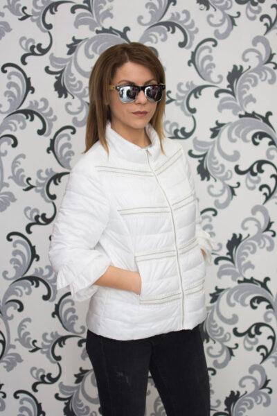 Бяло дамско пролетно яке с дантела 3