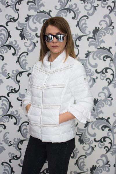 Бяло дамско пролетно яке с дантела 1