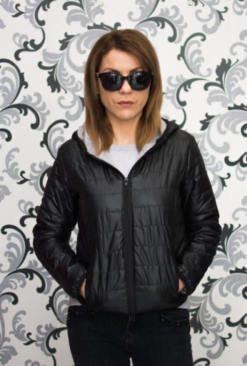 Черно тънко яке с качулка