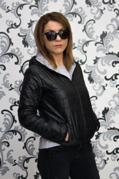 Черно дамско яке с качулка