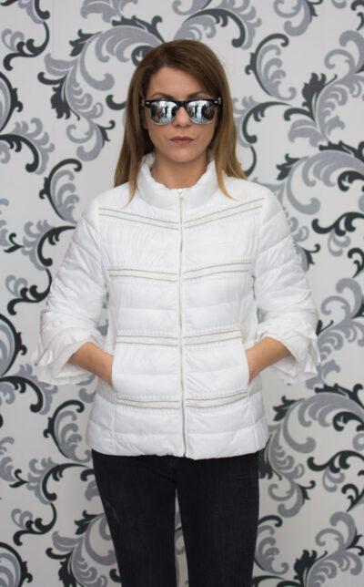 Бяло дамско пролетно яке с дантела 2