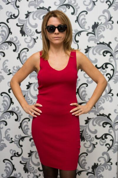 Дамска червена плетена рокля 1