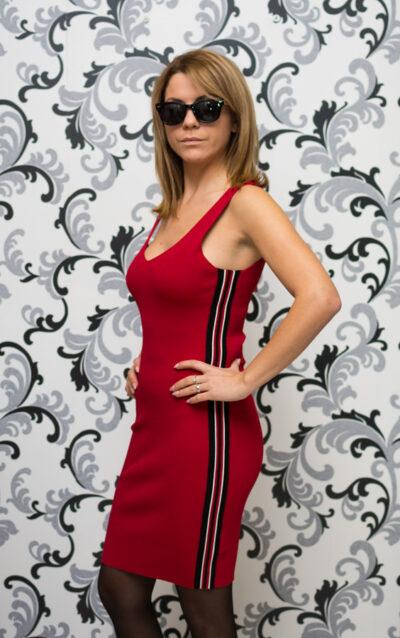 Плетена червена рокля