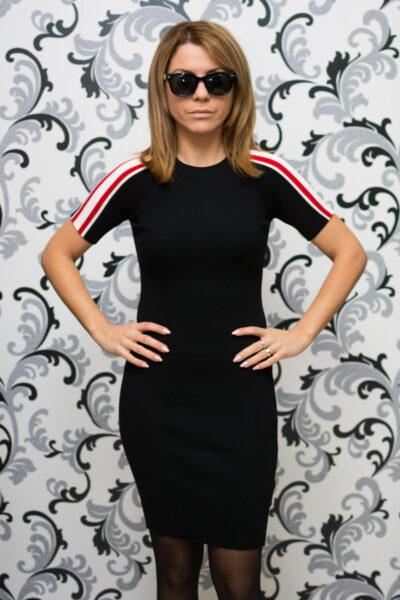 Дамска плетена рокля с къс ръкав - черна 1