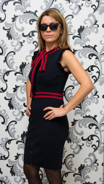 Дамска плетена рокля с кант и цип 2