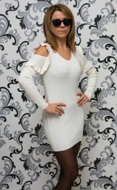 Бяла плетена туника