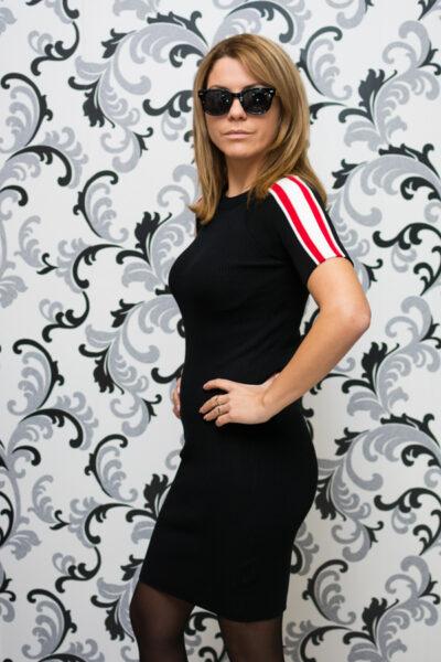 Дамска плетена рокля с къс ръкав - черна 3