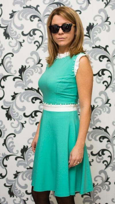 Зелена рокля с перли