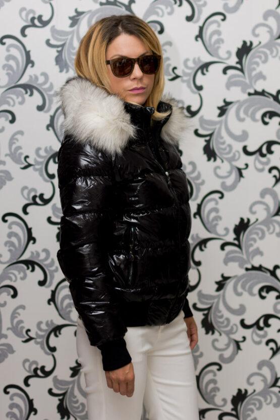 Дамско късо зимно яке с лого - черно 3