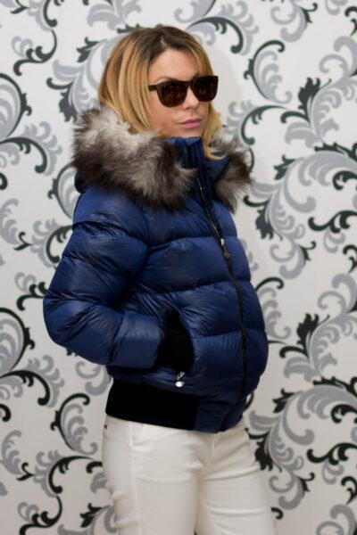 Дамско късо зимно яке с лого - син цвят 3