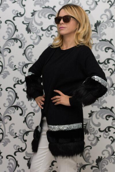 Дамска плетена жилетка с декорация - черна 2