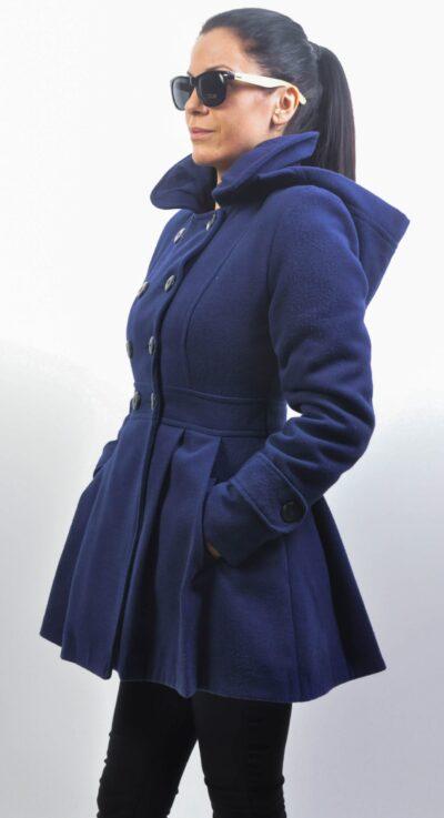 Зимно дамско палто с качулка-синьо 4