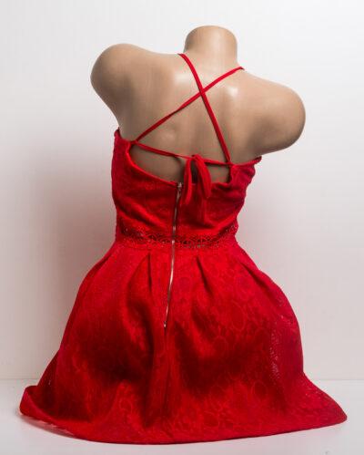 Червена дантелена рокля с презрамки 3