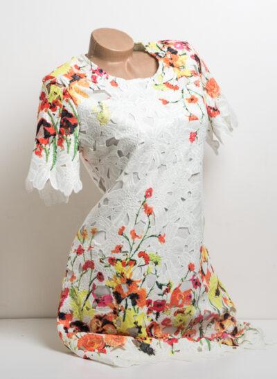 Дантелена рокля с цветя - бяла 3