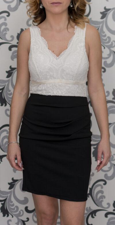 Черно-бяла рокля с дантела