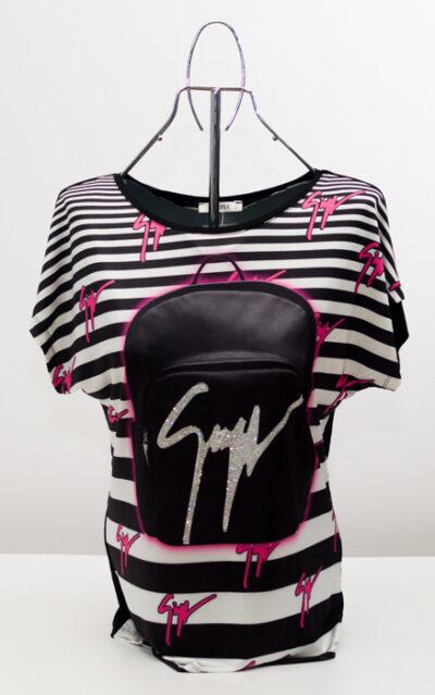 Дамска блуза с лого- реплика 1
