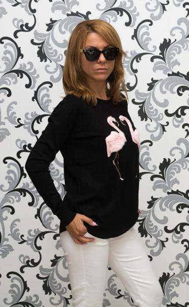 Дамска плетена блуза с розово фламинго - черна 2