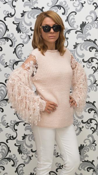 Дамска вълнена блуза с декориран ръкав - розова 2