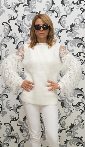 Дамска вълнена блуза с декориран ръкав - бяла 1