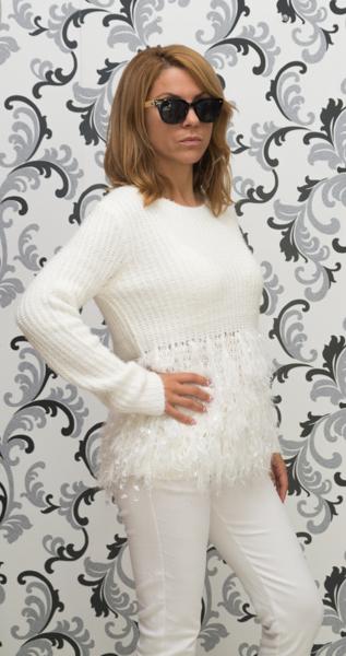 Дамска вълнена блуза с декорация - бяла 2