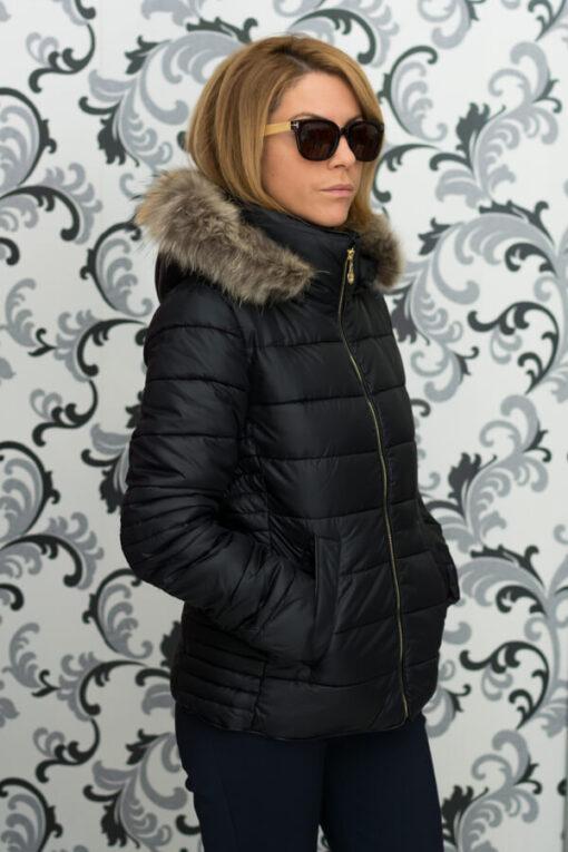 Дамско късо яке с качулка - цвят черен 3