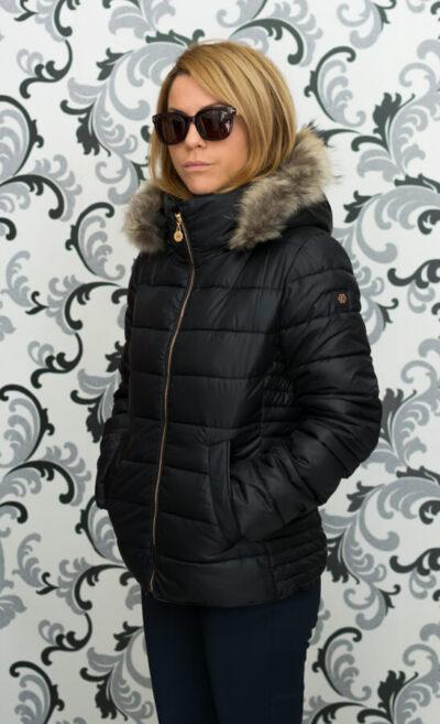 Дамско късо яке с качулка - цвят черен 2