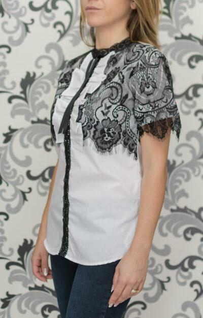 Бяла риза с черна дантела