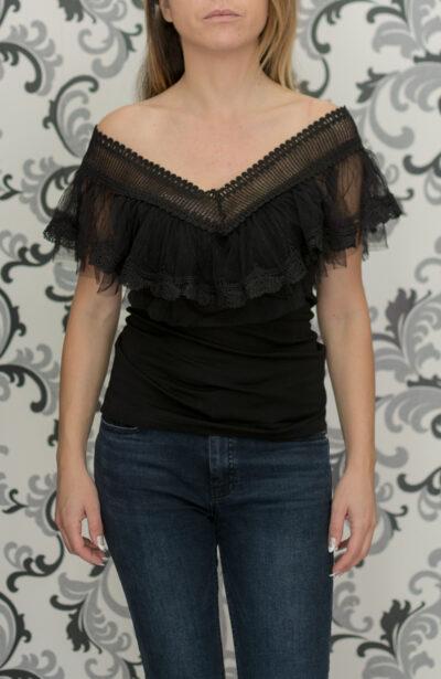 Черна блуза с къдри 1