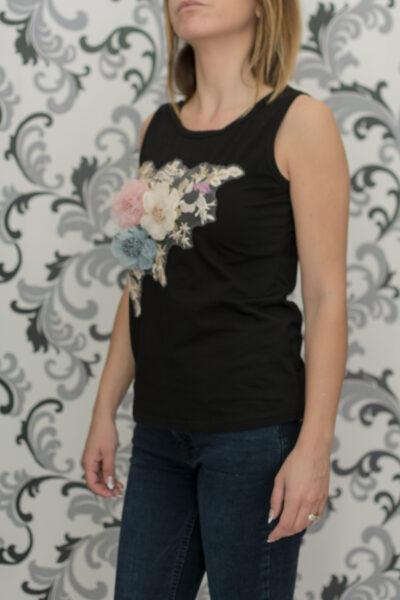 Черен потник с цветя