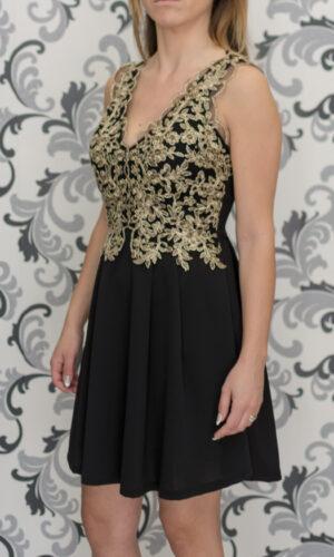 Черна рокля със златисто