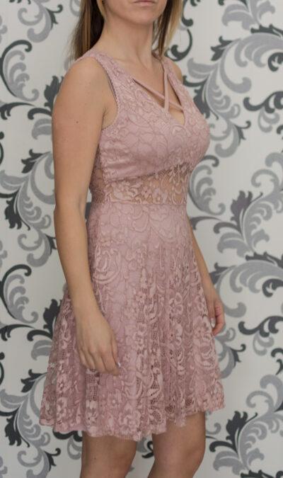 Дантелена розова рокля 1