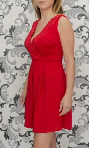 Червена рокля - разкроена