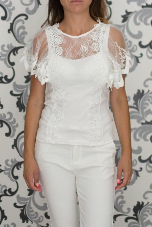 Бяла блуза с къс ръкав
