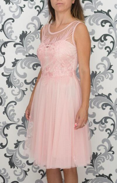 Розова рокля с тюл