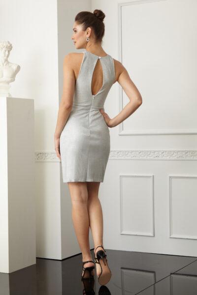 Вталена къса рокля
