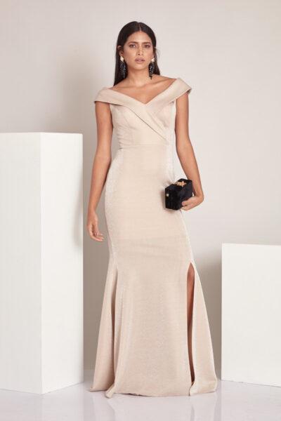 Дълга златиста рокля