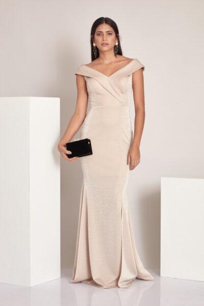 Златиста дълга рокля