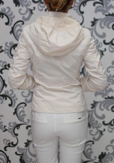 Тънко яке с качулка