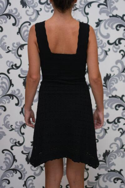 Черна рокля с презрамки