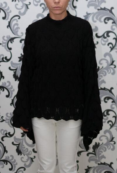 Черна блуза с широк ръкав