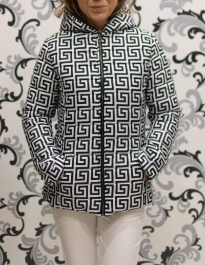 яке в черно и бяло