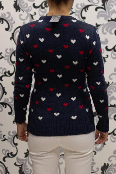 Вълнен коледен пуловер