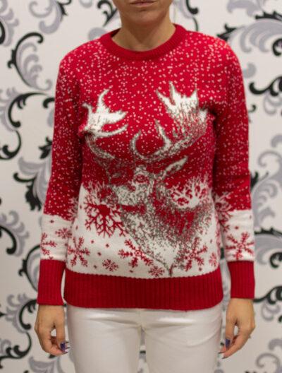 Червен пуловер на коледна тематика