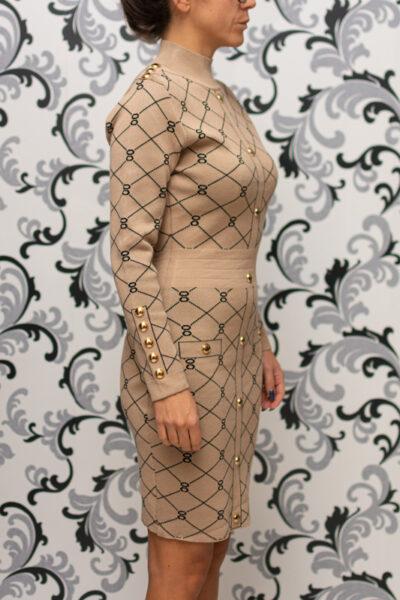 Бежова рокля - плетена