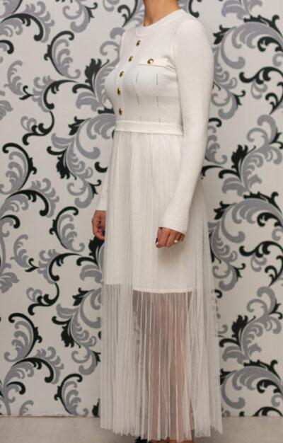 Бяла плетена рокля