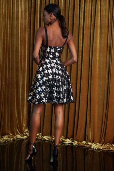 рокля със сребърни пайети