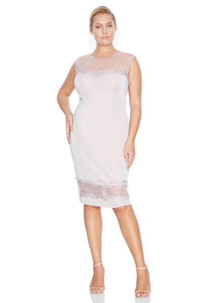 Розова рокля